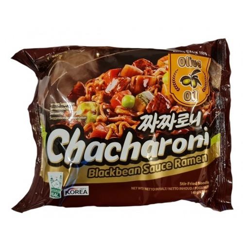 Musta sojaoa kastmega kiirnuudlid (Chacharoni)